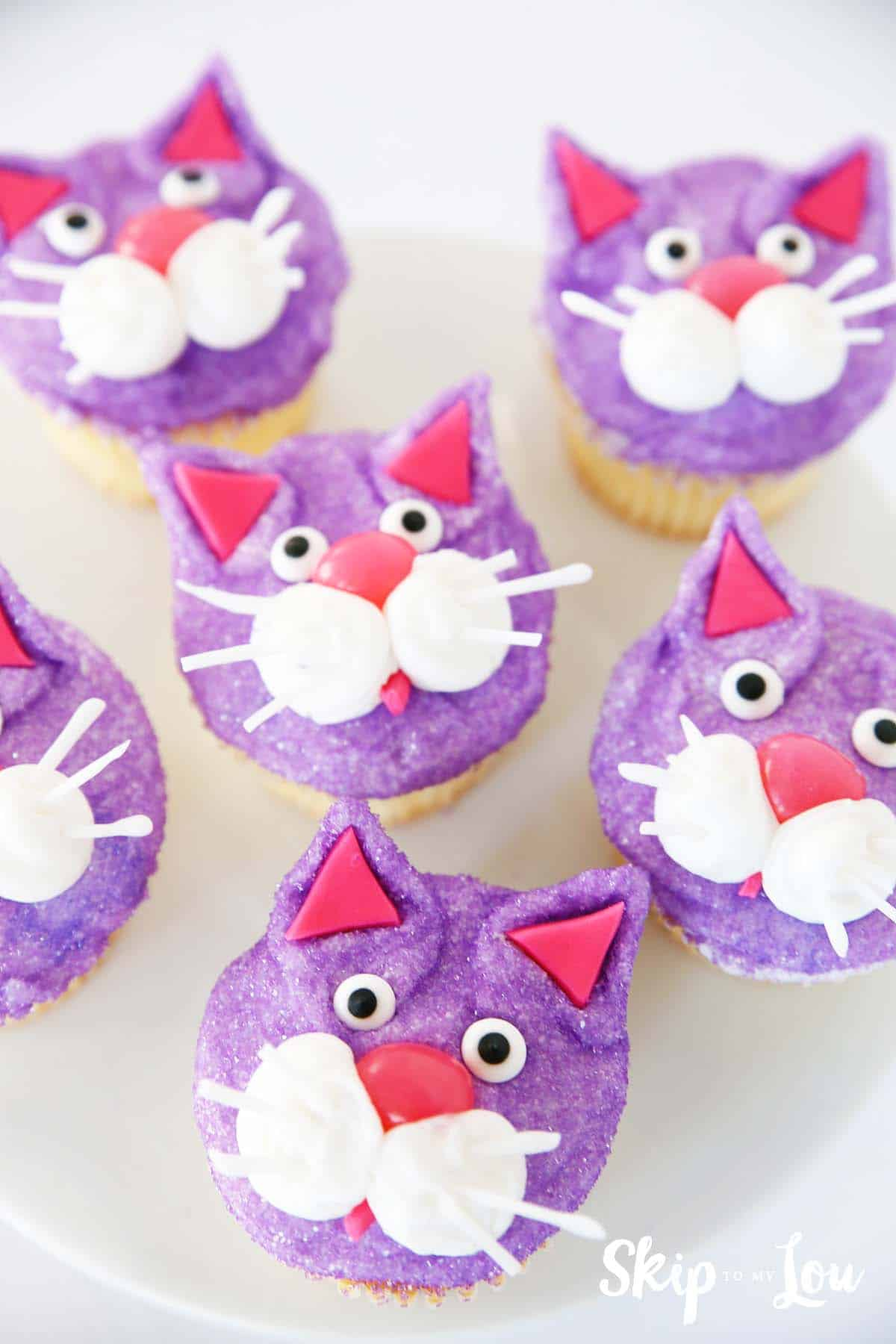 chloe-cat-cupcakes-secrect-life-of-pets-food-idea