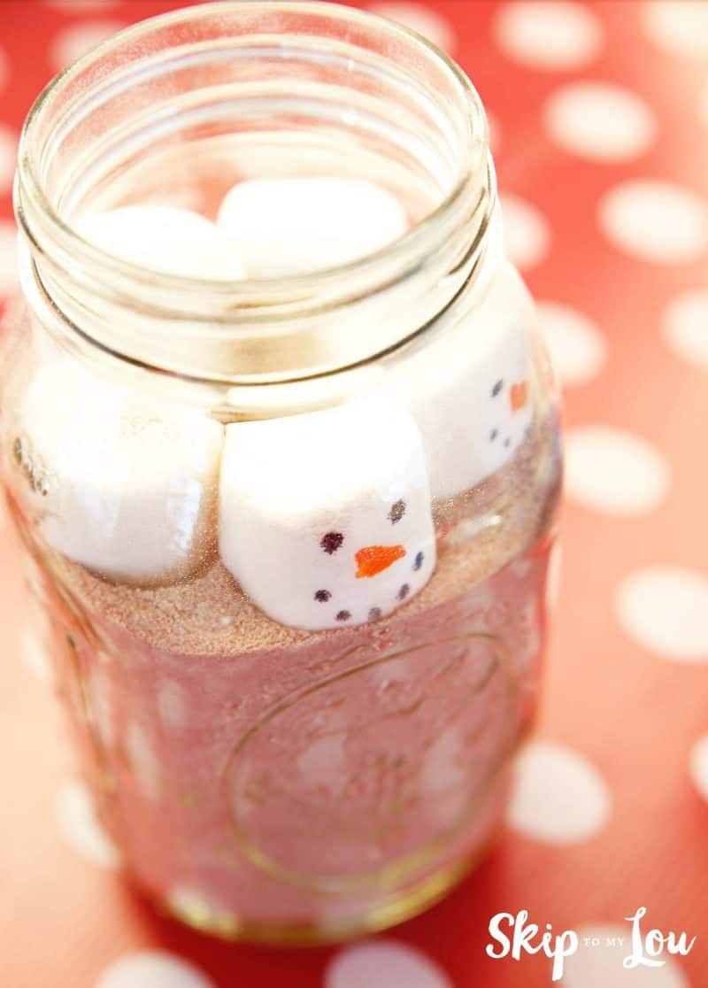 hot-chocolate-with-marshmallow-snowman