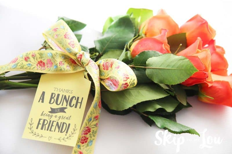 flowers with printable gift tag