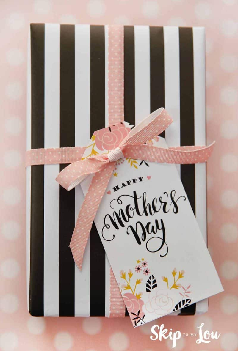 graphic about Free Printable Mothers Day Tags named 6 Eye-catching Cost-free Printable Moms Working day Tags for your presents!