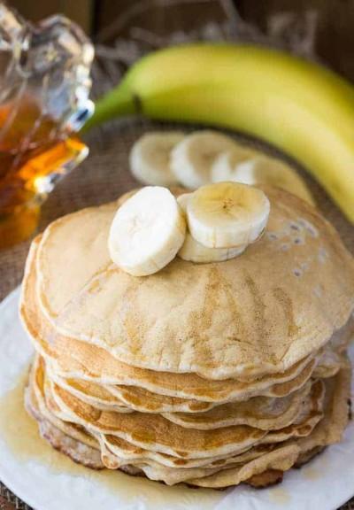 cinnamon banana pancakes
