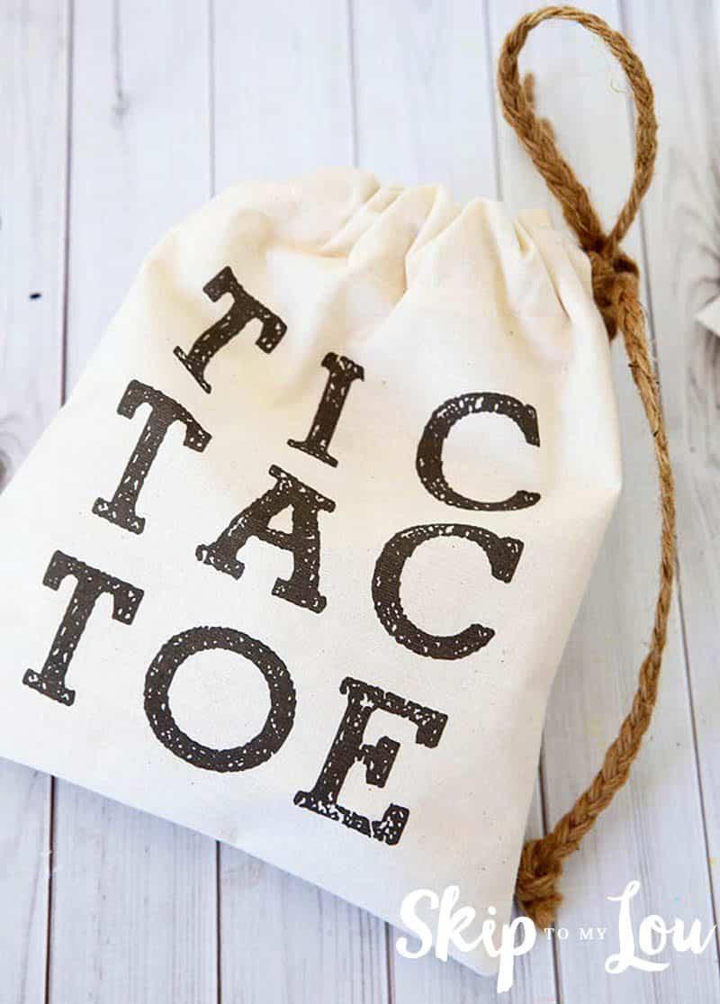 DIY tic tac toe travel game