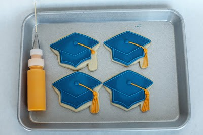how to add tassel on grad hat with cookie icing