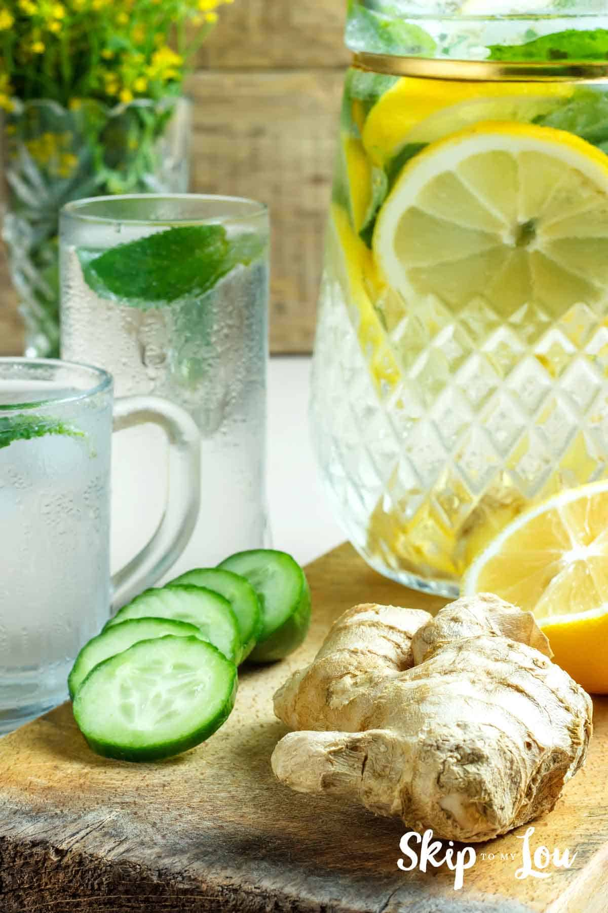 detox water to stay healthy and hydrated