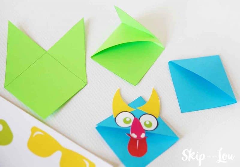 how to make corner bookmark