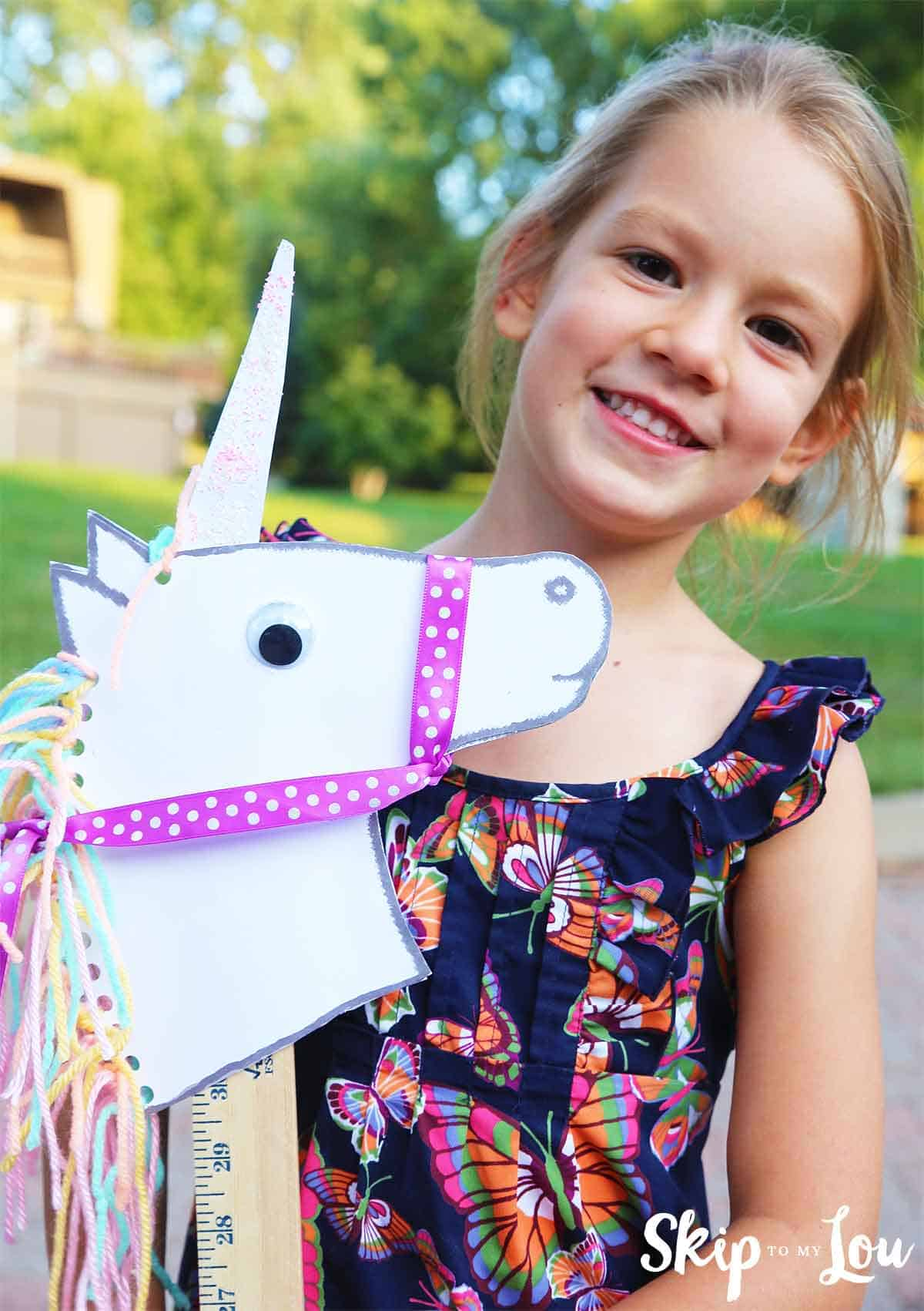 Unicorn Stick Horse Diy With Free Printable Template Skip To My Lou