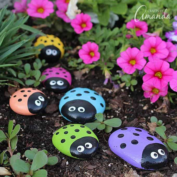 how to paint a lady bug rock