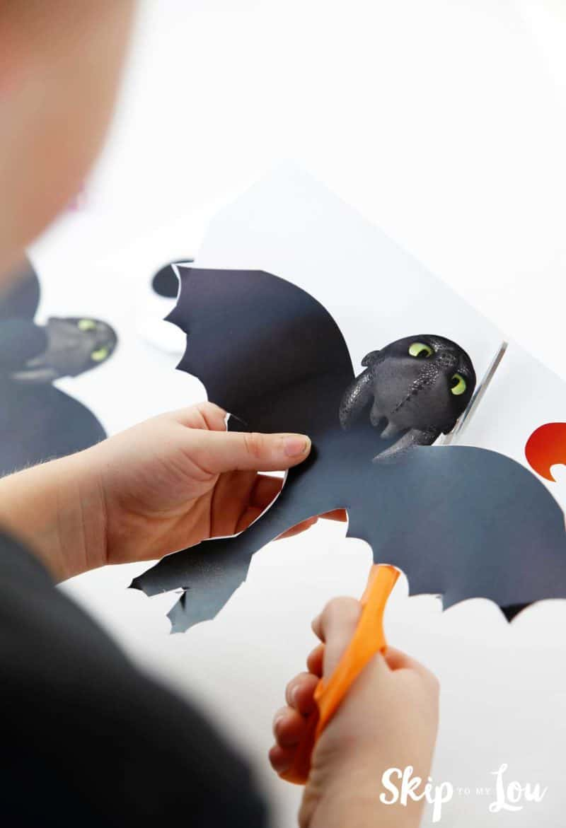 cutting paper dragon