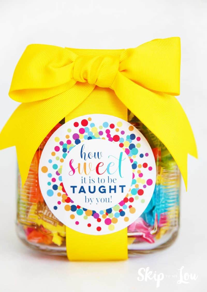 87b55b40 jar fill with candy yellow bow how sweet teacher gift