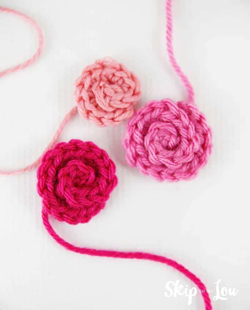 small crochet flowers