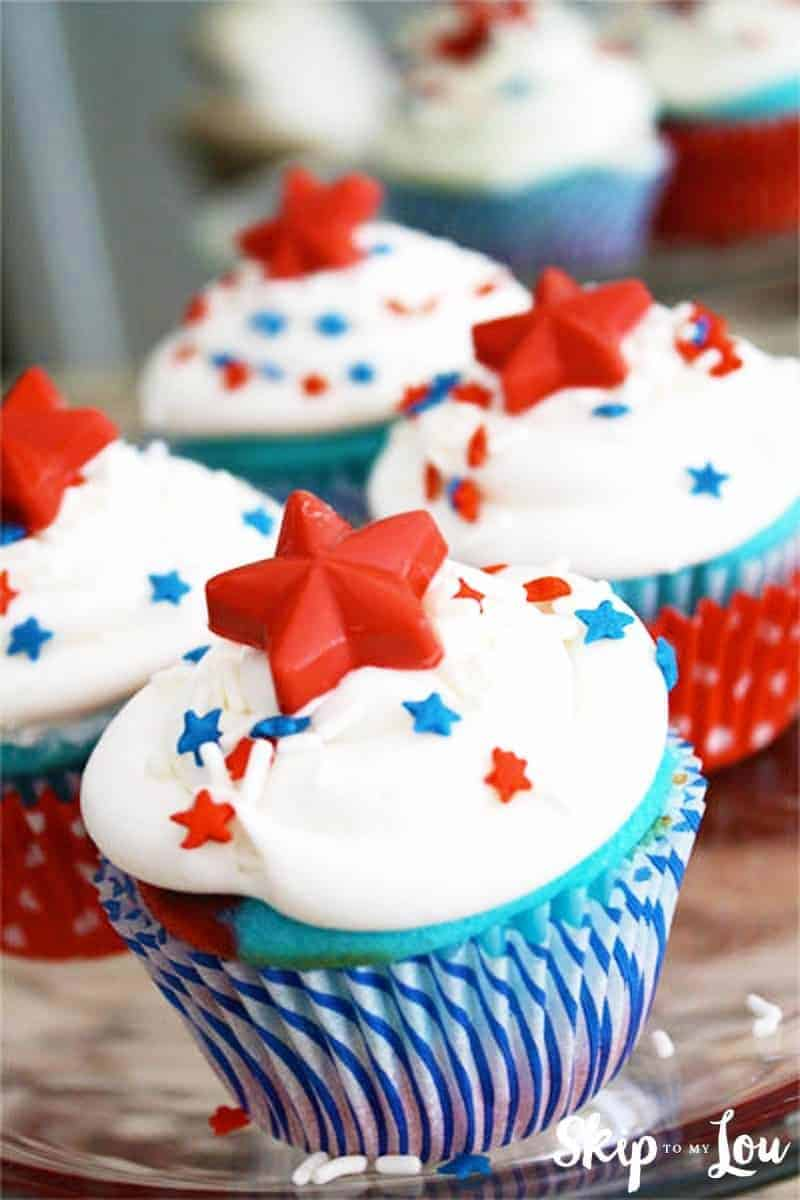 4th f july cupcake with red candy stars