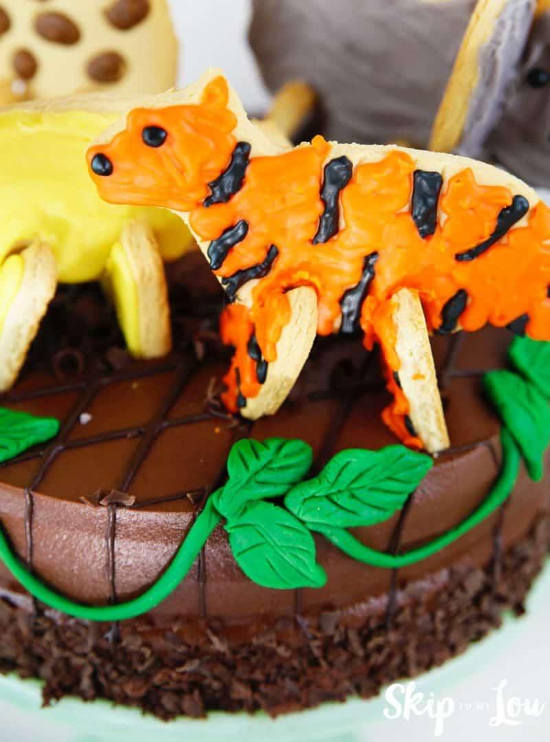 jungle cake close up