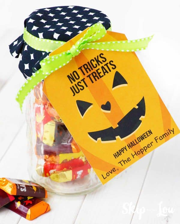 personalized Halloween gift tag on jar of candy