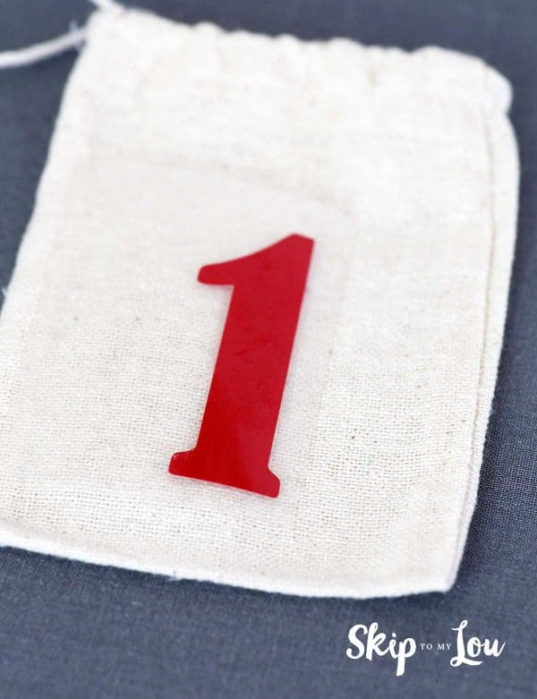 place number on muslin bag