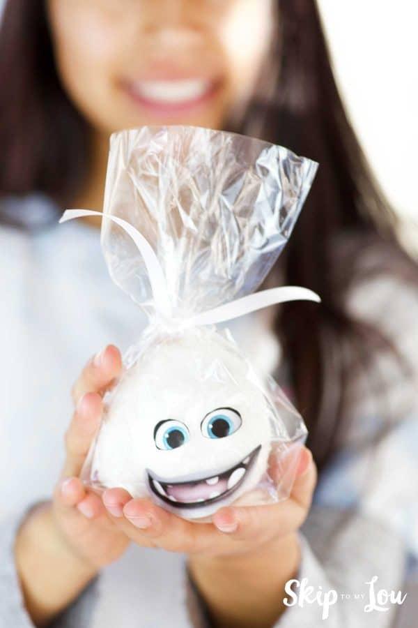child holding hostess snoball Yeti Abominable movie