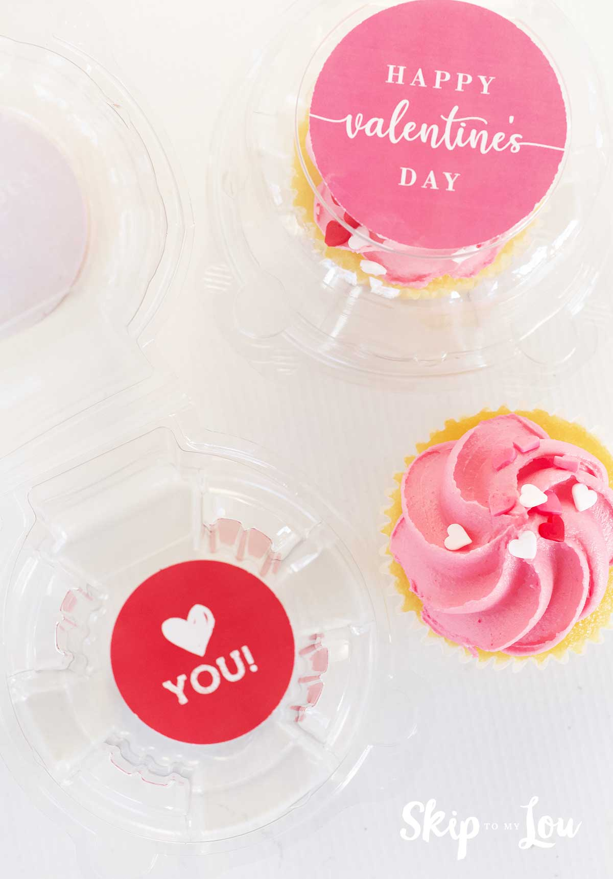 love you cupcake sticker in clear plastic container