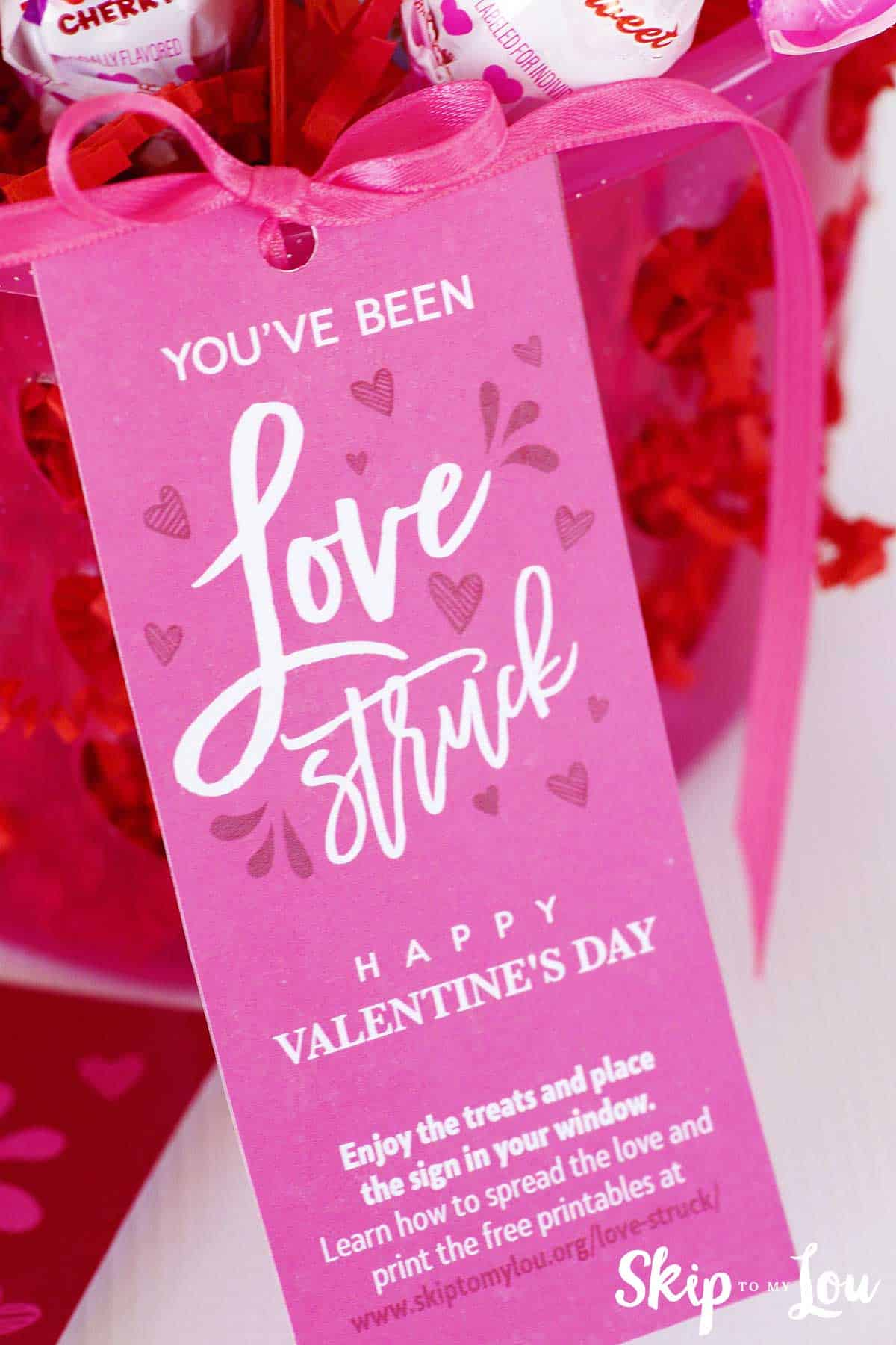 youve been love struck gift tag on basket