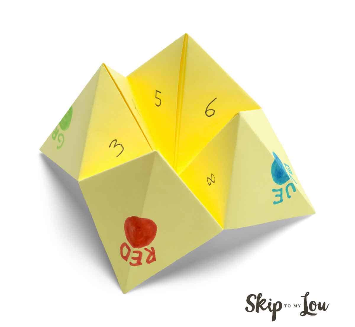 yellow cootie catcher
