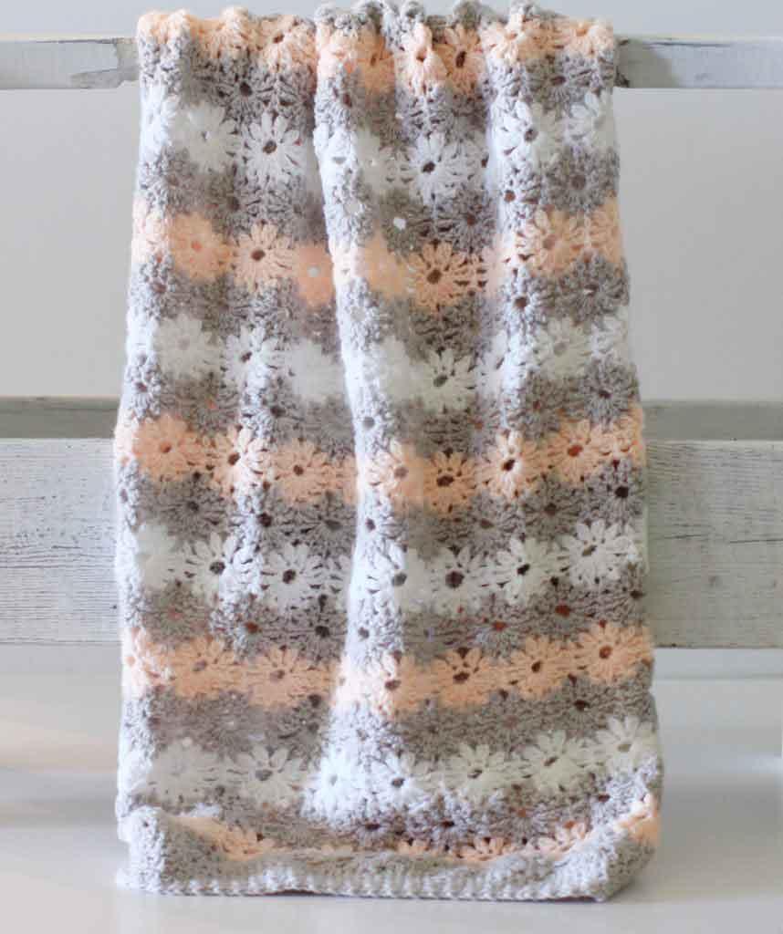 crochet flower stitch gray pink white