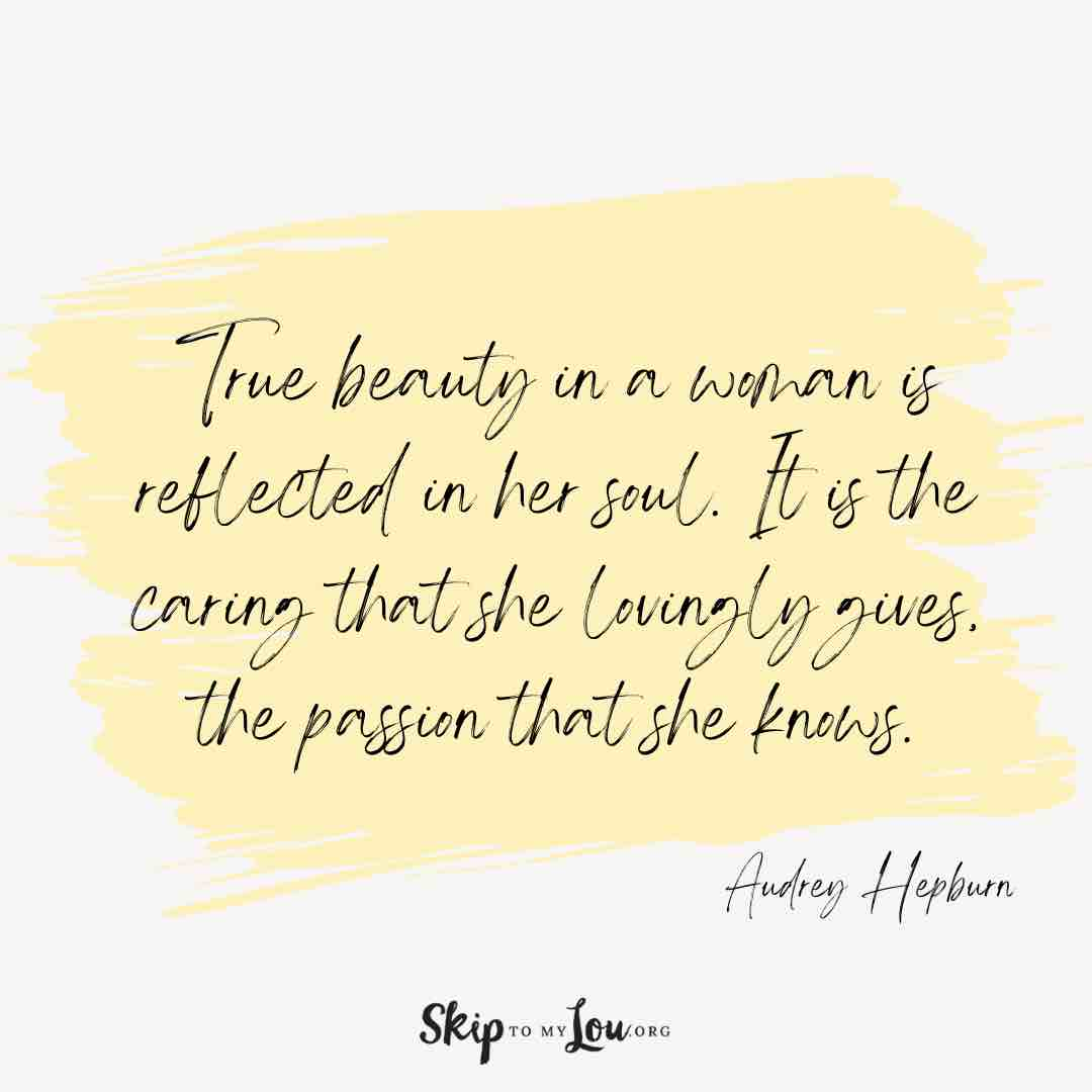 true-beauty-in-a-woman-you-are-amazing-quotes